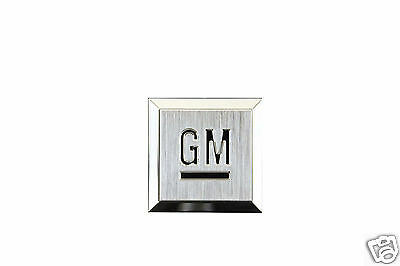 NEW GM MARK OF EXCELLENCE CHROME EMBLEM LOGO NAME PLATE 15223484 HHR