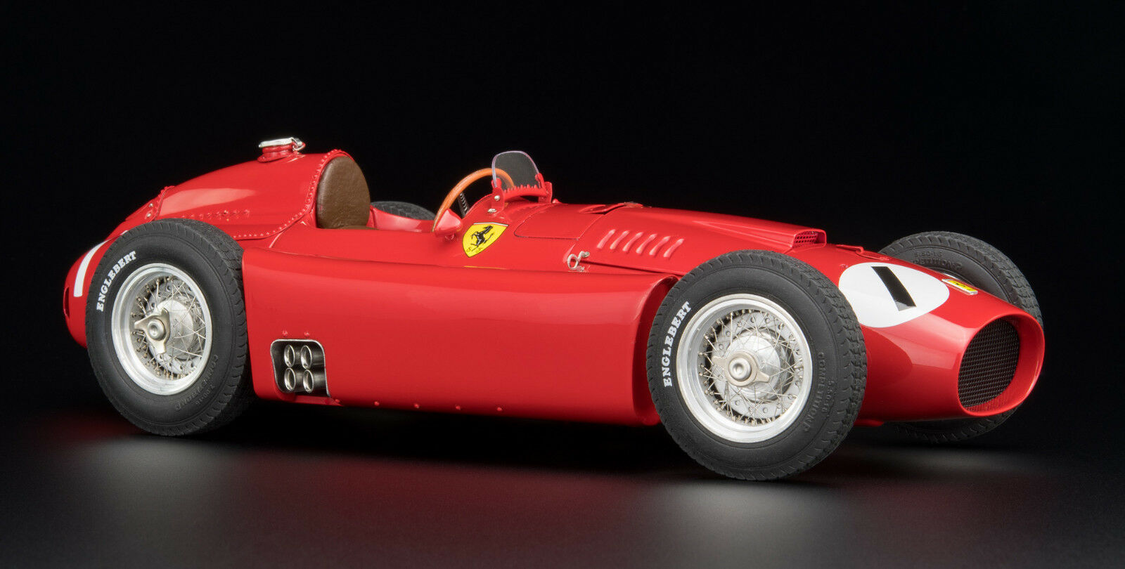 CMC 1 18  Ferrari D50, 1956 GP England  1 Fangio Limited Edition 1000 ITEM M-197