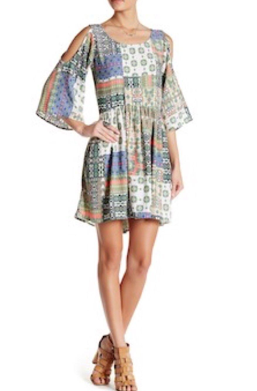 FREEWAY Babydoll Cold Shoulder Bell Sleeve Dress Größe MEDIUM NWT