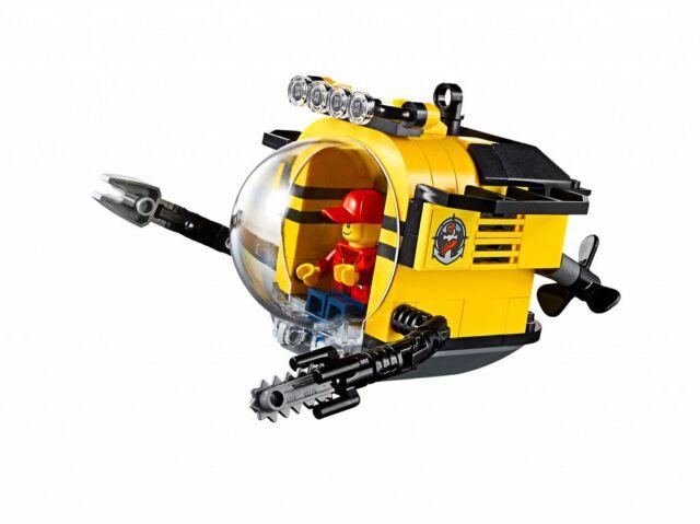 LEGO RESEARCH SUBMARINE with Sea Explorer Pilot - Bubble Cockpit - 60096 NEW