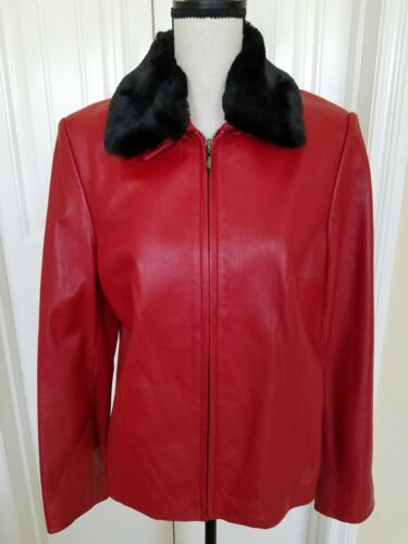 RED LEATHER JACKET / WITH FAKE FUR