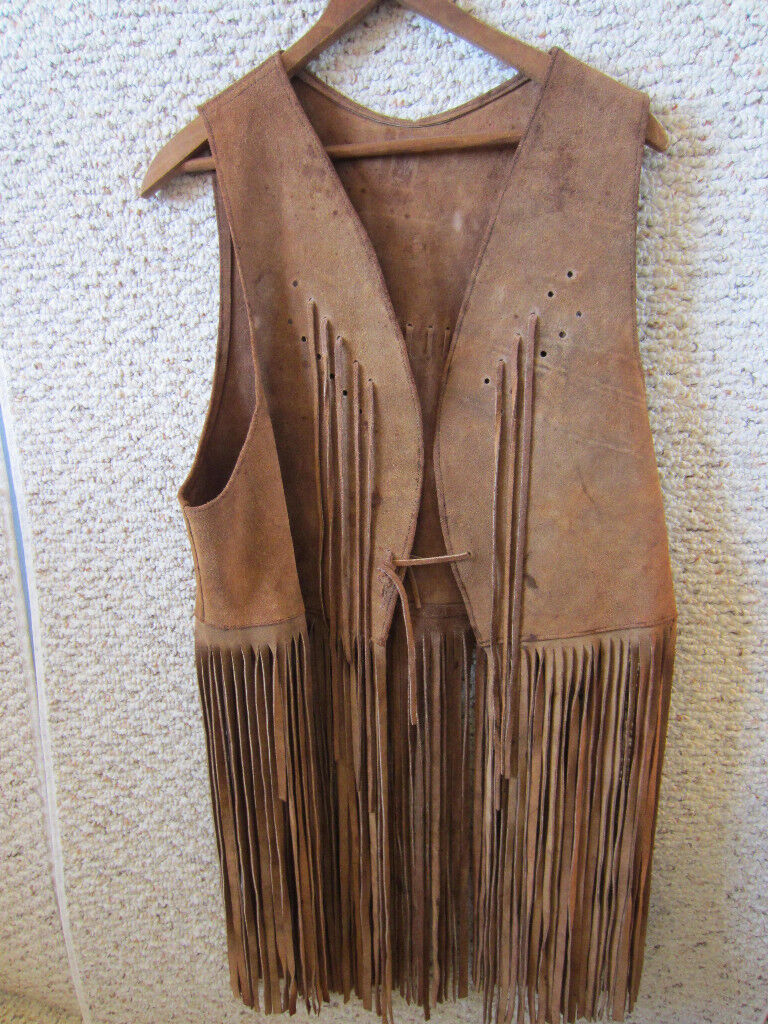VINTAGE, WESTERN, COWBOY   COWGIRL HEAVILY FRINGED VEST