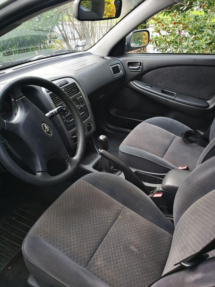 Toyota Avensis, 1,8 VVT-i Natura stc., Benzin
