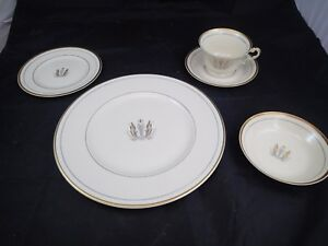 Image is loading Syracuse-China-GOVERNOR-CLINTON-Pattern-5-PIECE-PLACE- & Syracuse China GOVERNOR CLINTON Pattern 5 PIECE PLACE SETTING ...
