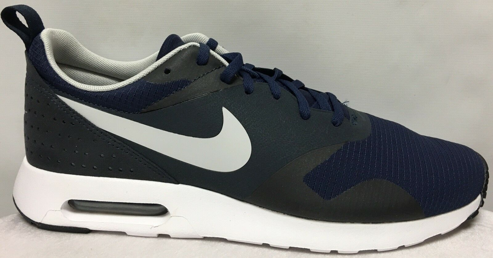 Nike Air Max Tavas chaussures in Taille 11