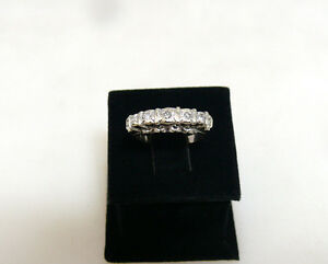 Gold-Ring-mit-einem-5-Diamanten-750er-Weissgold-ca-0-12ct-4-4g