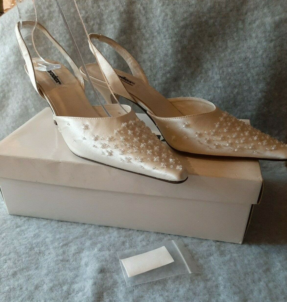 Paradox Ivory Duchesse silk with glass beads wedding shoes size UK 5 New