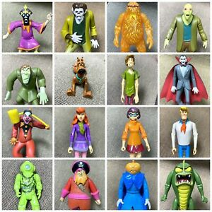 5-039-039-Scooby-Doo-WolfMan-Zombie-Skeleton-Creeper-Villians-Crew-Figures-50th-Years