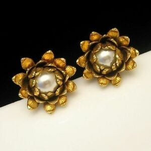 BERGERE-Vintage-Clip-Earrings-Goldtone-Flowers-Large-Faux-Pearls-Classy-High-End