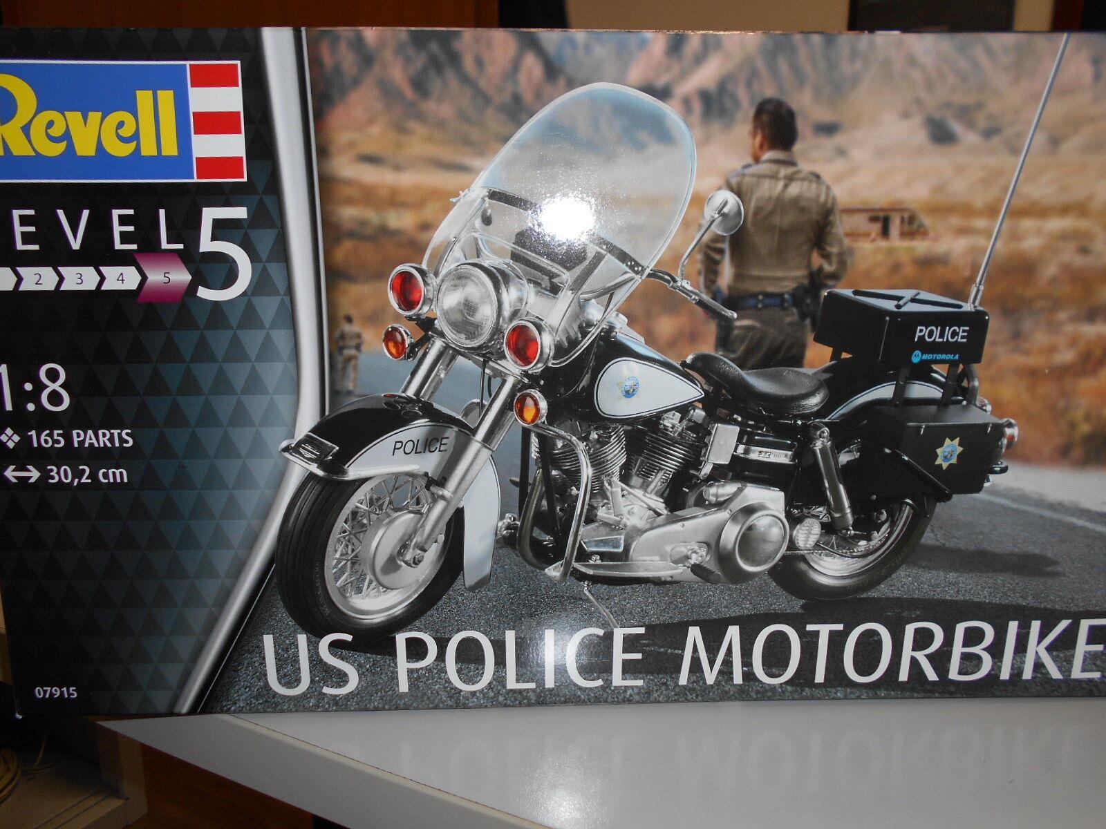 REV07915 by REVELL US POLICE MOTORBIKE - KIT DI MONTAGGIO - 1 8