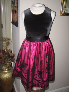 0c244a852e3a Girls Pink Dress w Black Velvet top   lace overlay. Junior Size 7