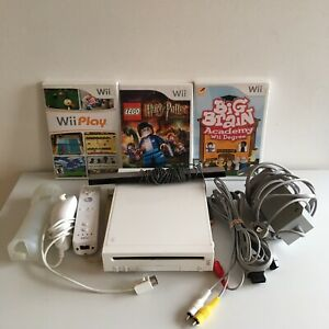 Nintendo Wii Console System Bundle with 3 Games 1 Controller 1 Nunchuck
