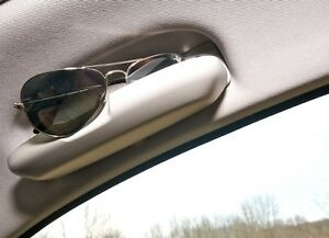 Bmw-neuf-origine-1-3-E90-E91-E92-E81-E87-gris-toit-case-tray-pour-lunettes-4862872