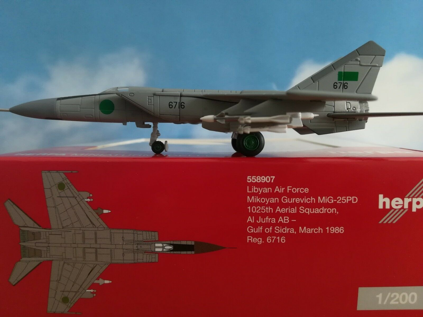 558907 Libyan Air Force Mikoyan Gurevich mig-25pd Herpa Wings 1 200