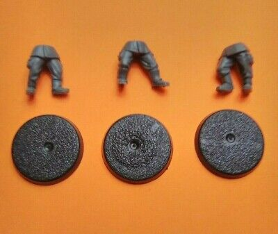 Imperial Guard Cadian Kneeling Legs and Base Bit A
