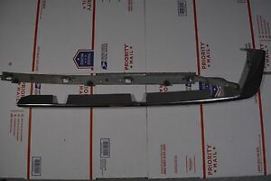 06-11-CADILLAC-DTS-REAR-LEFT-SIDE-BUMPER-MOULDING-TRIM-W-MOUNTING-BRACKET-D3
