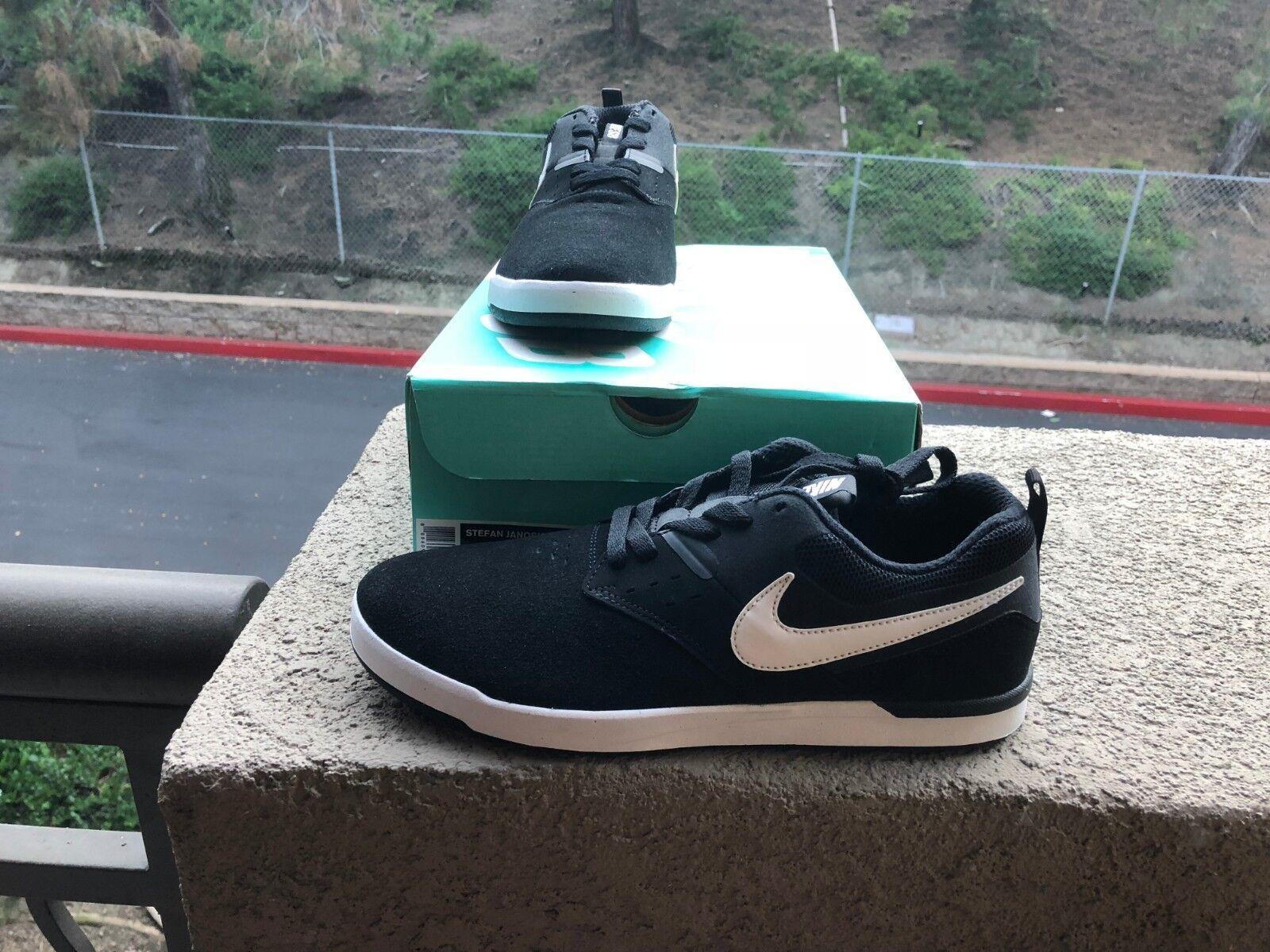 Nike Men's shoes ''Stefan Janoski Max L''-- Black-White New with Box
