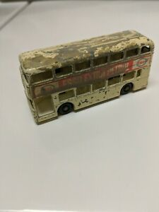 Lesney-Matchbox-Daimler-Bus-No-74-Esso-Extra-Petrol-Cream-Made-in-United-Kingdom