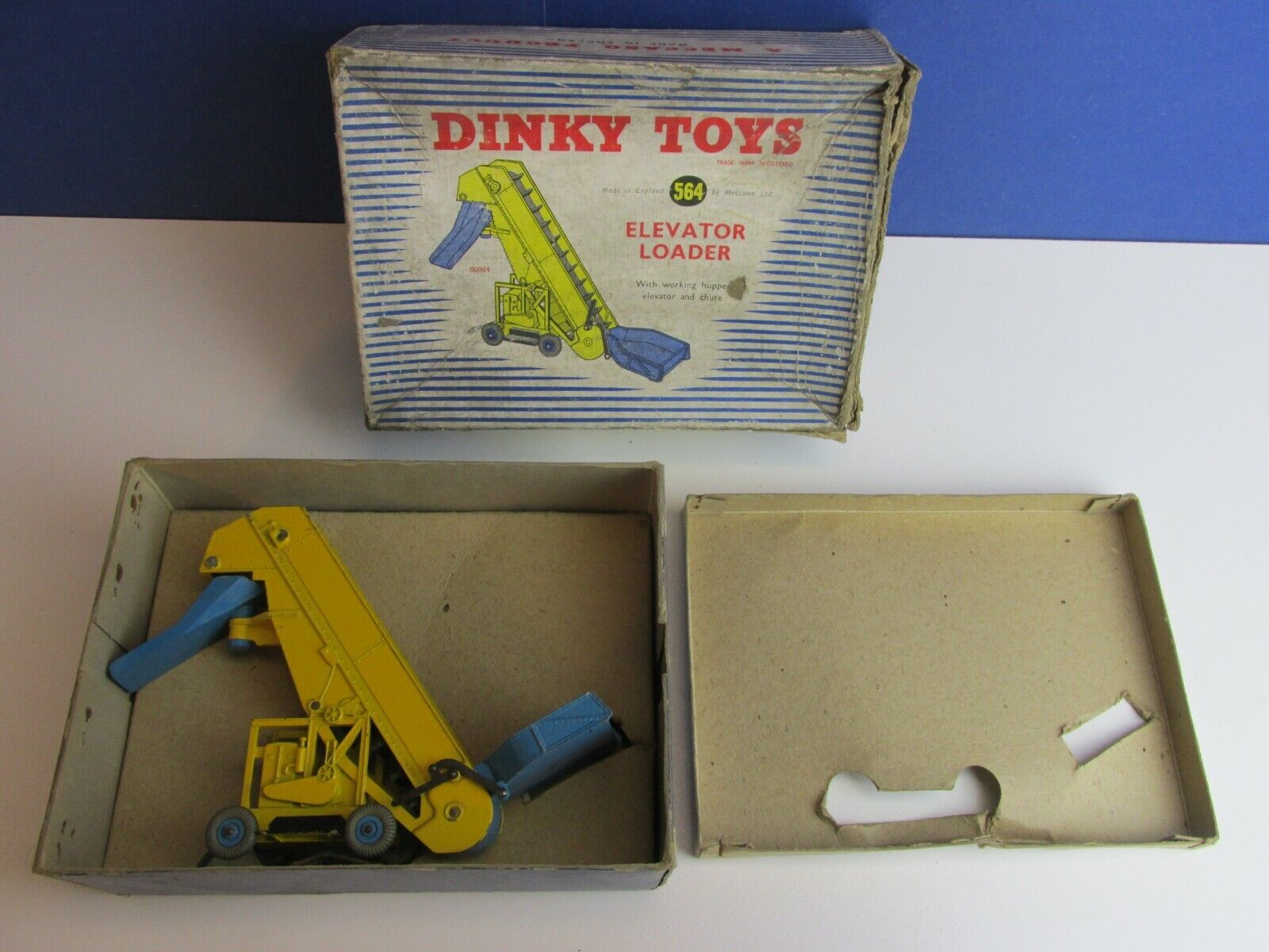 564 DINKY SUPERTOYS ELEVATOR LOADER VEHICLE DIE CAST vintage BOXED 73N