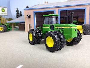 1/64 ERTL JOHN DEERE 8430 4WD TRACTOR W/ DUALS