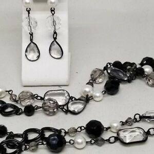Gorgeous-Black-Chain-Faux-Pearl-Lucite-Beads-Necklace-and-Earrings