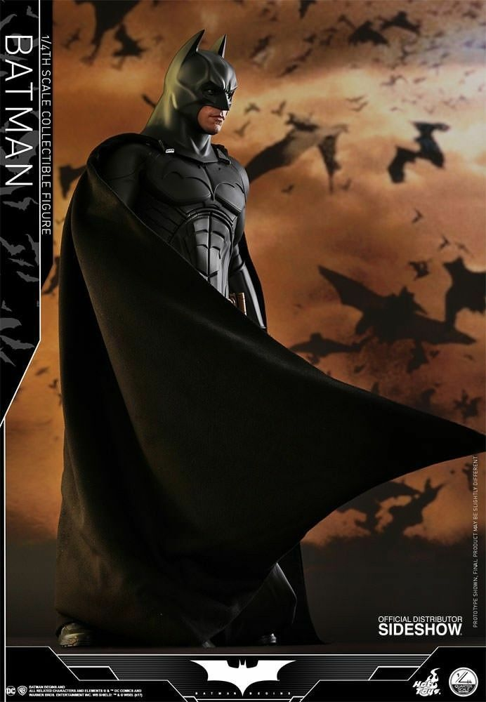 HOT TOYS BATMAN BEGINS 1 4 Scale NEW AND SEALED