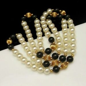 Vintage-Faux-Pearls-Onyx-Glass-Fluted-Gold-Plated-Beads-Long-Necklace