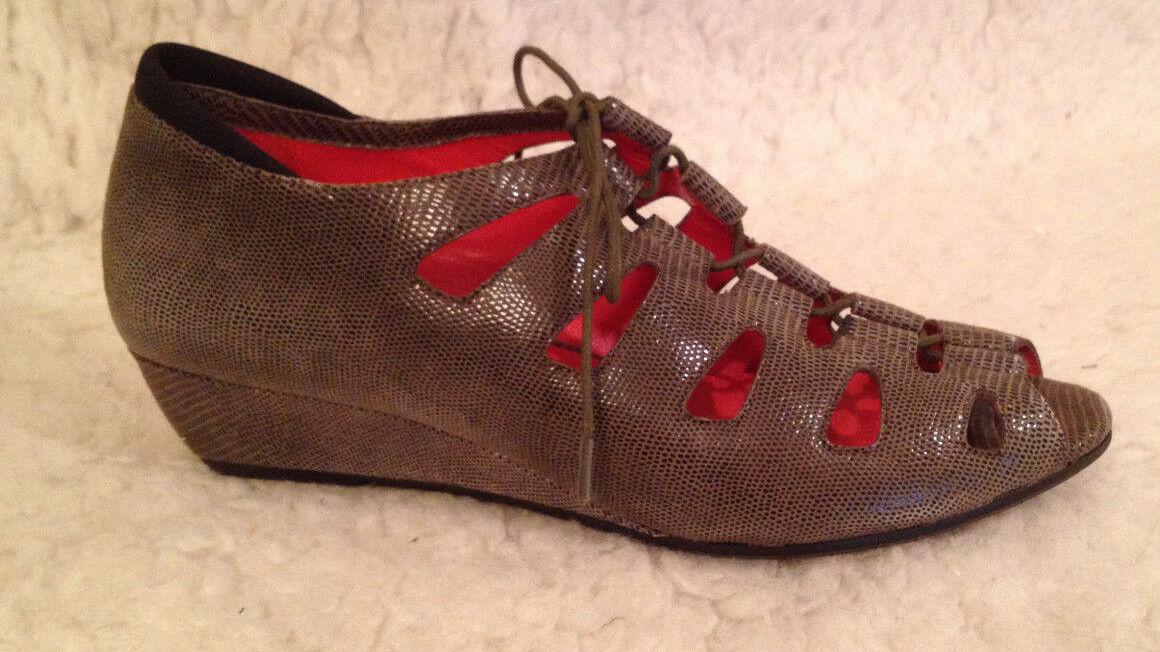NIB 225 M MACCARI Diana TAUPE Peep Toe Wedge Heel Sandale Schuhe Damenschuhe 38 7.5 - 8