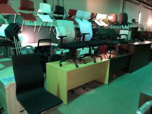 Fauteuil de bureau, chaise visiteur, chaise empilable - Usagé - Qualité commercial Greater Montréal Preview