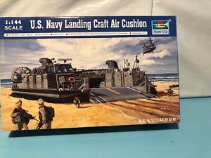 Trumpeter 00107-1:144 USMC Landing Craft Air Cushion Neu