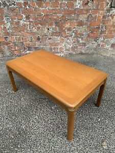 1970-s-RETRO-VINTAGE-TEAK-EFFECT-COFFEE-TABLE-SIDE-TABLE-CENTRE-TABLE