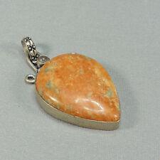 Kettenanhänger - oranger (unakit?) Stein - kleiner Bergkristall  - L: ca. 6 cm -