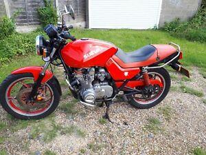 CLASSIC-1982-3-SUZUKI-KATANA-550-CC-BIKE-RECENTLY-OUT-OF-STORAGE-WITH-MOT
