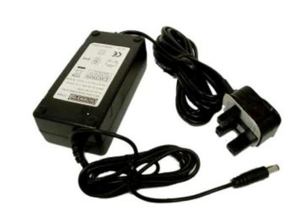 HORNBY Digital  P9300 Power Supply  R8213 R8214
