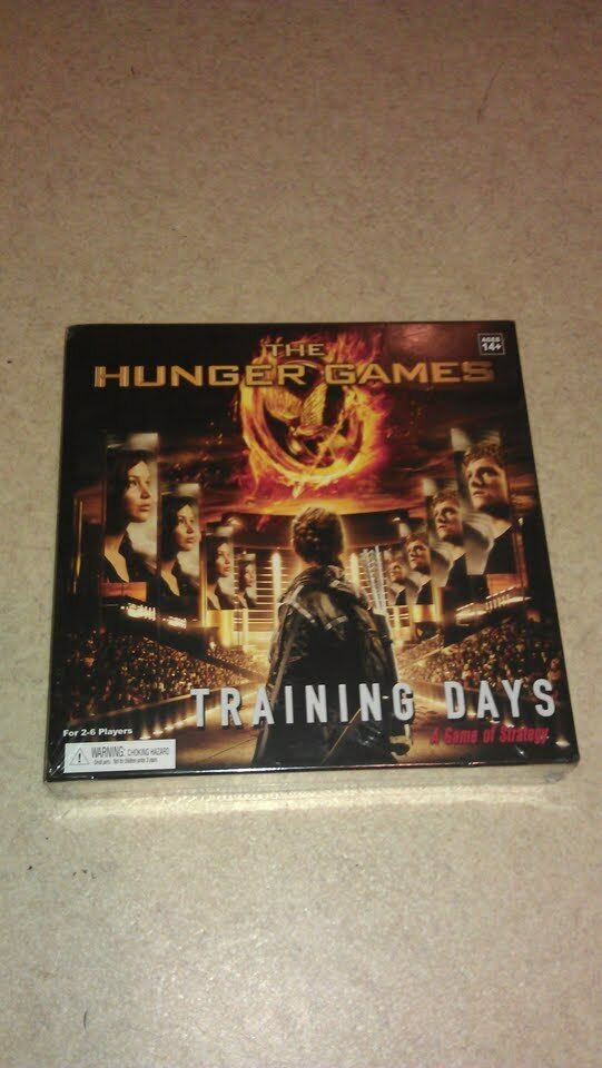 New in in in box The Hunger Games District 12  Board Game Game of Strategy Ages 14+ 3afce2