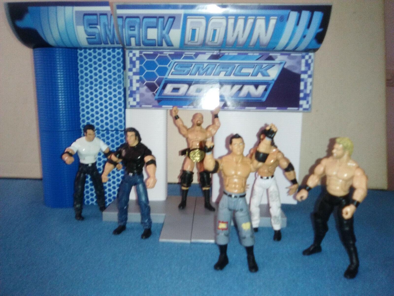 WWE BUILD N BRAWL SERIE 4 LOTE DE 6 FIGURAS + ENTRADA RING