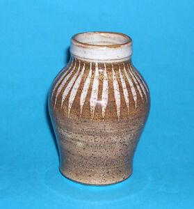 100% Vrai Overstone Studio Pottery-attrayant Classique En Forme De Vase (id étiquette Sur Base).-afficher Le Titre D'origine Rendre Les Choses Pratiques Pour Les Clients