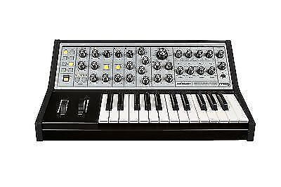 Moog Sub Phatty Keyboard Synthesizer inMint condition with Moog Carrying case,