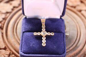 Pendentif-Croix-diamants