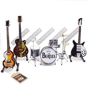 Mini-live-set-BEATLES-tribute-Lennon-McCartney-1-4-miniature-collectible-guitar