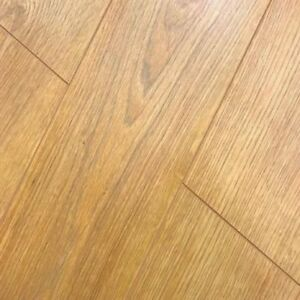 Solido-belmore-oak-7mm-v-groove-laminate-flooring-SAMPLE-PIECE