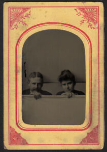 FREAKY-MYSTERY-PECULIAR-COUPLE-POKE-HEADS-uP-FROM-BACKDROP-1800s-TINTYPE-PHOTO