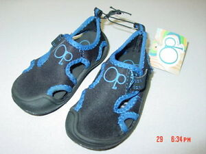 NWT OP Toddler Youth Water Shoes Aqua Socks Unisex Black Blue Trim ...