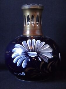 Ancienne-lampe-berger-en-faience-decor-floral