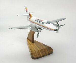 Fairchild-Swearingen-Merlin-Skywest-Airplane-Wood-Model-Small-New