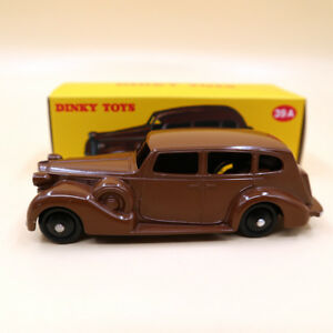 1-43-Atlas-Dinky-Toys-39A-Packard-Eight-Sedan-Diecast-DEAGOSTINI-Brown