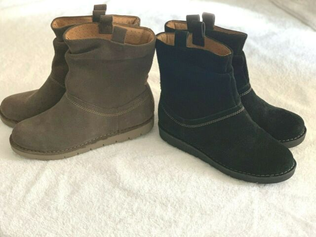3d91ffbd NEW Clarks UN ASHBURN Unstructured WOMEN Pull On Flat Casual ANKLE BOOTS  3-4 D