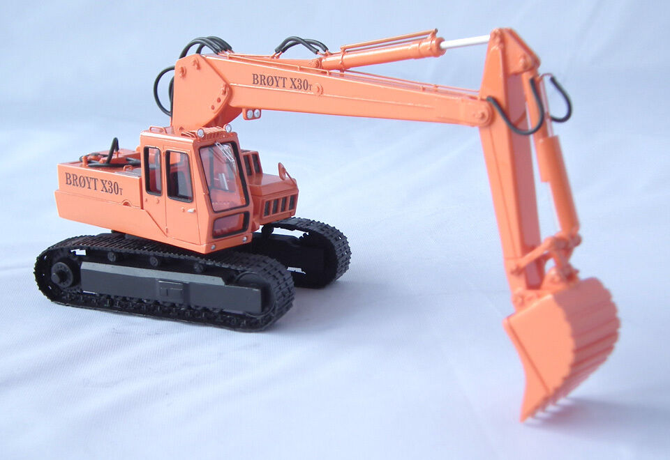 1 50 Excavator Broyt X30 T cab 2 - Ready Made Resin Model by Fankit Models