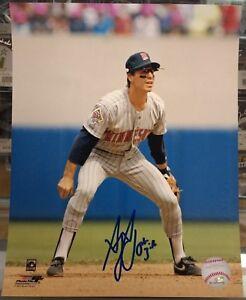 Greg-Gagne-Autographed-8x10-Photo-Minnesota-Twins-1987-World-Series-Fielding