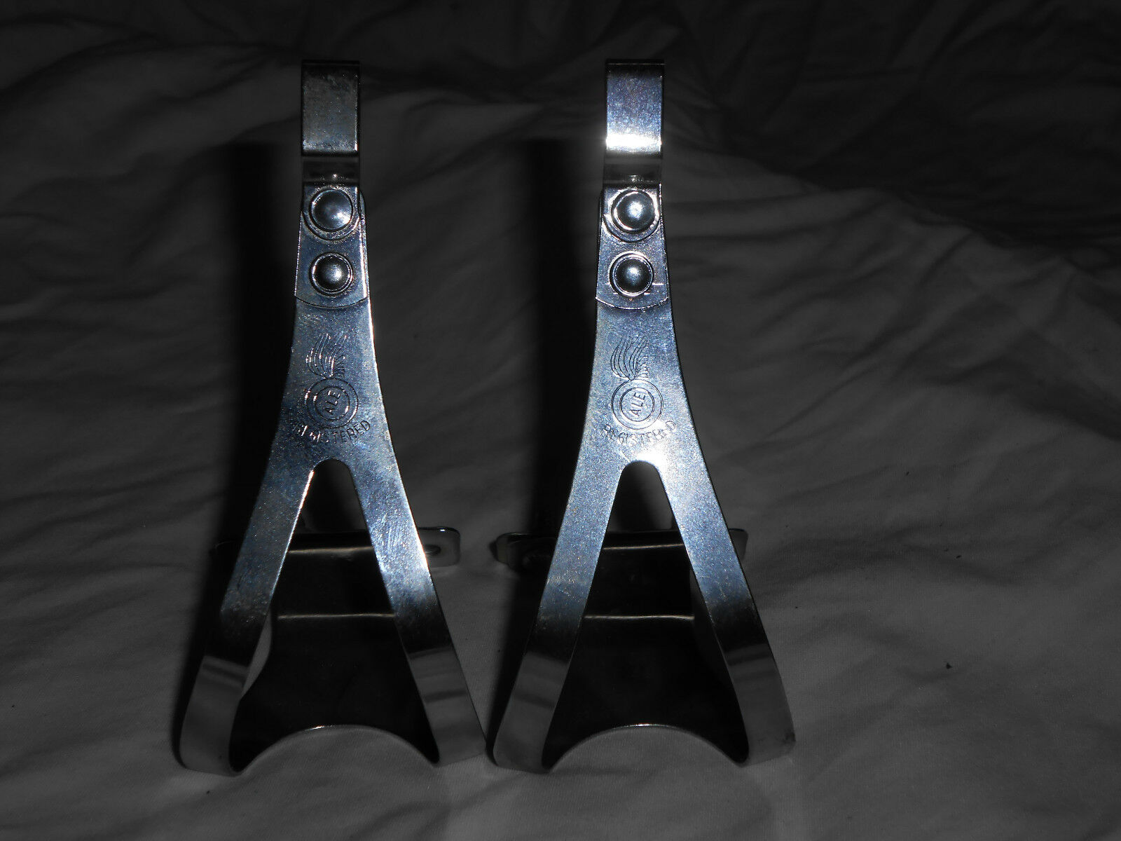 NOS Vintage 1970s ALE    C Torino Italian steel pedal toe clips - Small  sale online discount